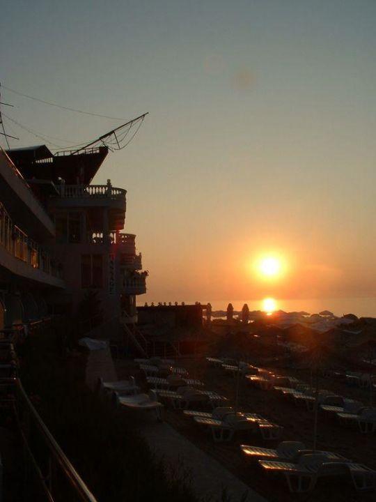 Sonnenaufgang SPA Hotel Sirius Beach