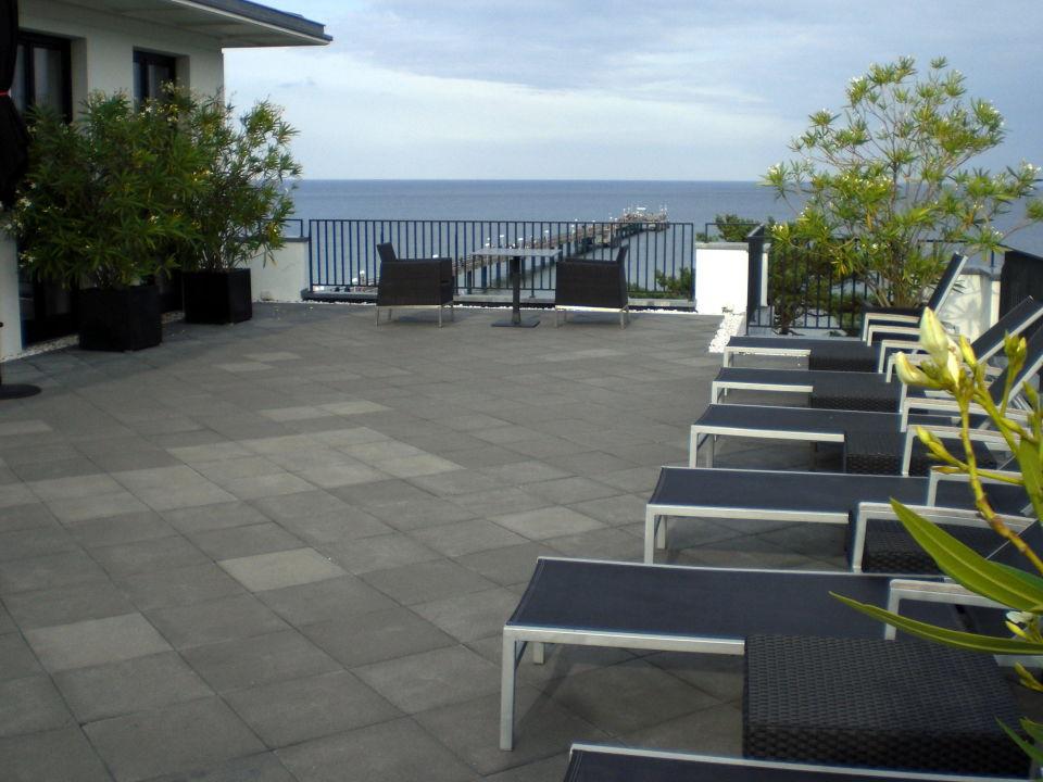 dachterrasse mit ausblick hotel ceres am meer binz auf r gen holidaycheck mecklenburg. Black Bedroom Furniture Sets. Home Design Ideas