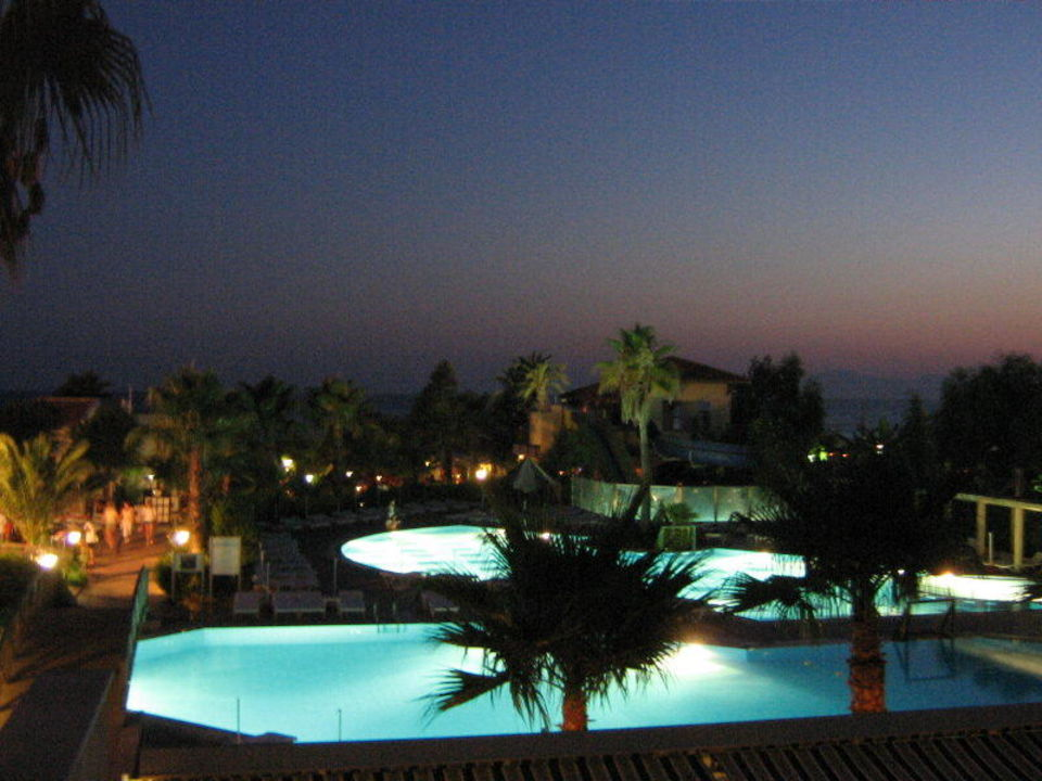 Pool Trendy Palm Beach Hotel