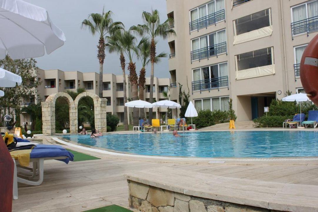 Aussenansicht Hotelgebäude LABRANDA Alantur Resort