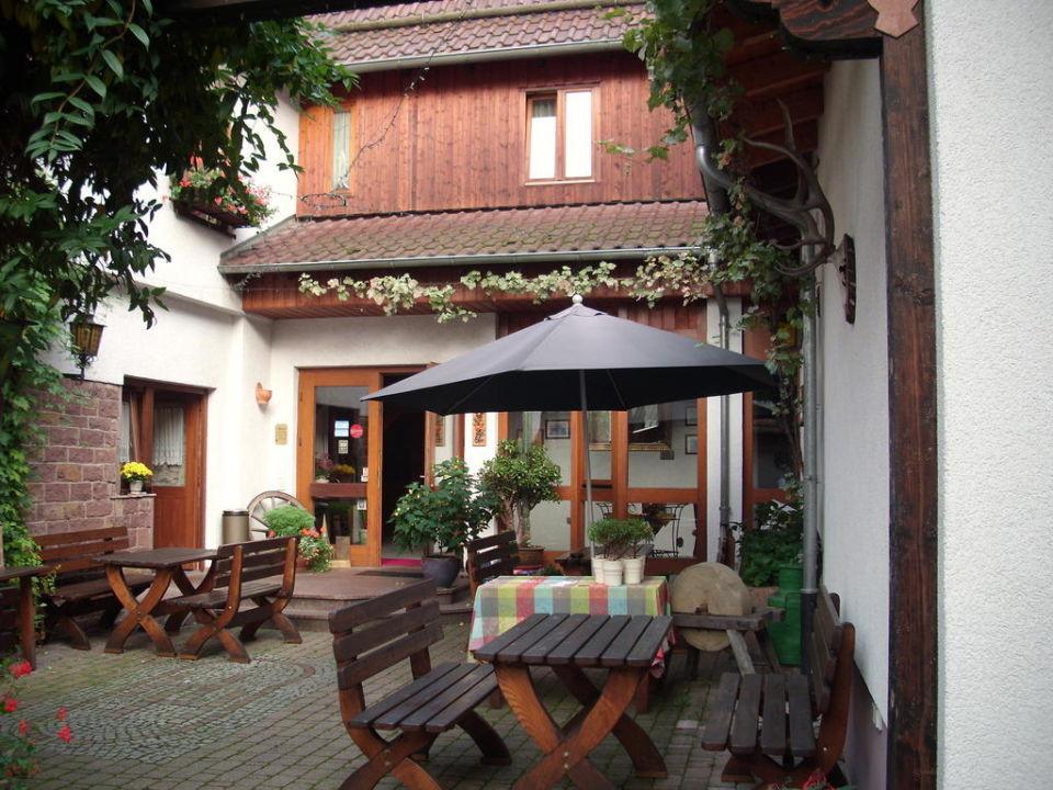 Biergarten Landgasthof Zum Hirsch