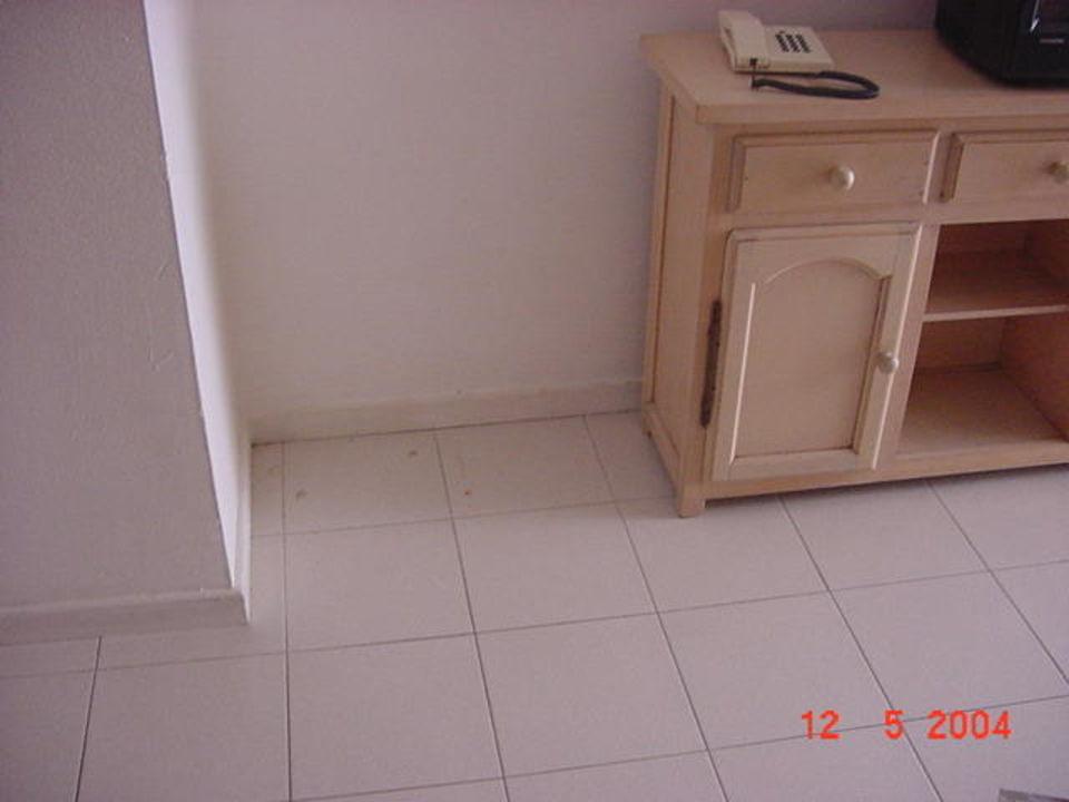 verdreckter Fußboden Aparthotel Bitacora Lanzarote Club