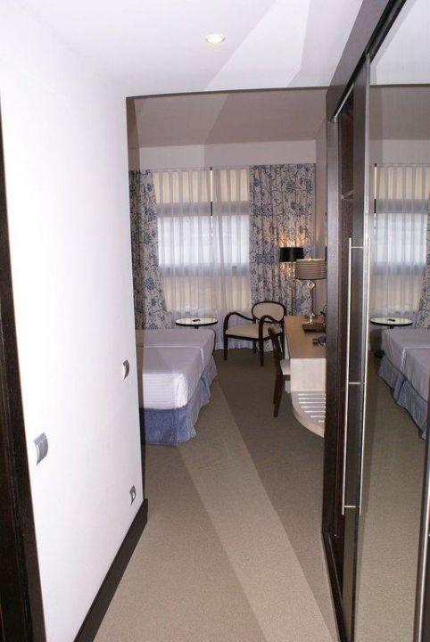 Zimmer von der Eingangstüre aus Hotel Nuevo Boston