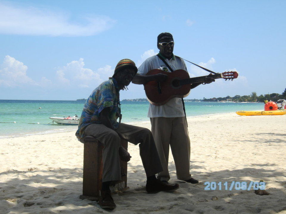 Strandmusiker Hotel Grand Pineapple Beach Negril