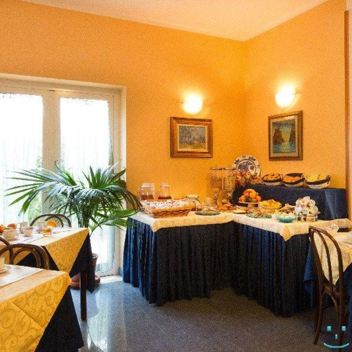 Hotel Ivonne Rimini vacanze holiday Hotel Garni Ivonne