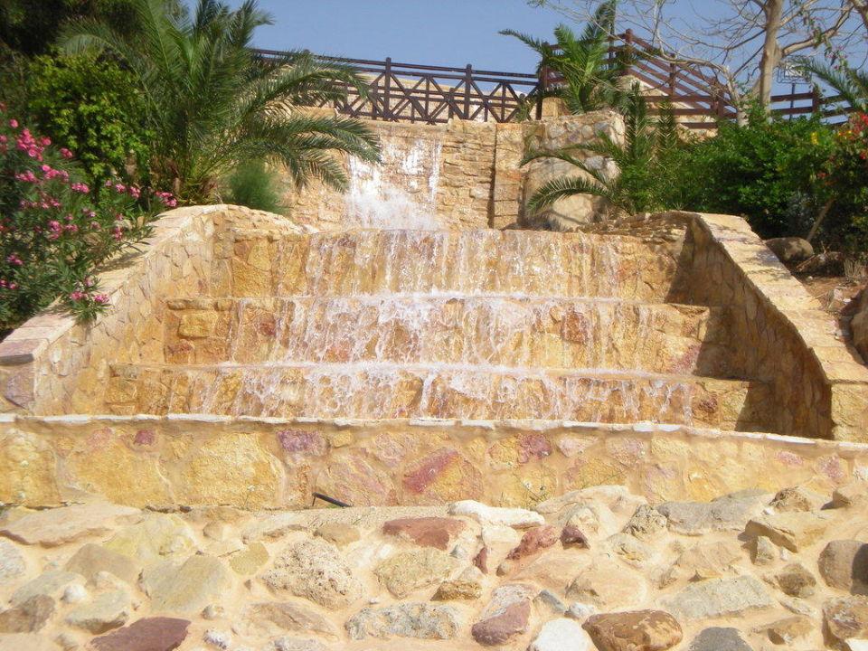 Particolare cascatella Jordan Valley Marriott Resort & Spa