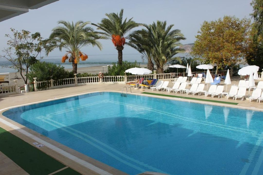 Familienpool LABRANDA Alantur Resort