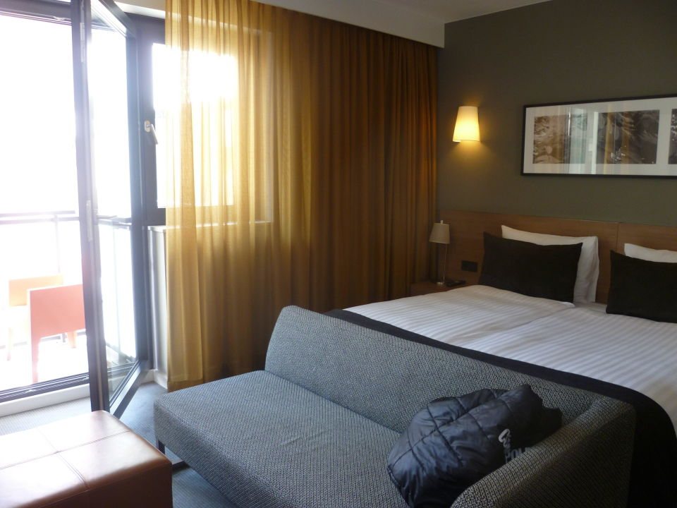 Bild innenhof ruhig trotz schallpotenzial zu adina for Appart hotel hambourg