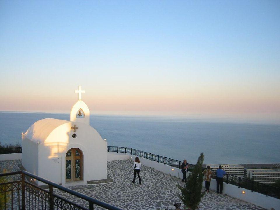 Esperos Village - Blick auf Kapelle (Berggipfel) und Meer Esperos Village Blue & Spa