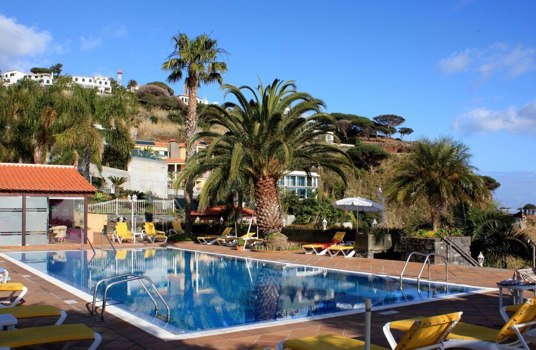 Garten, Pool Und Sauna Auf Dem Dach Des Hotels