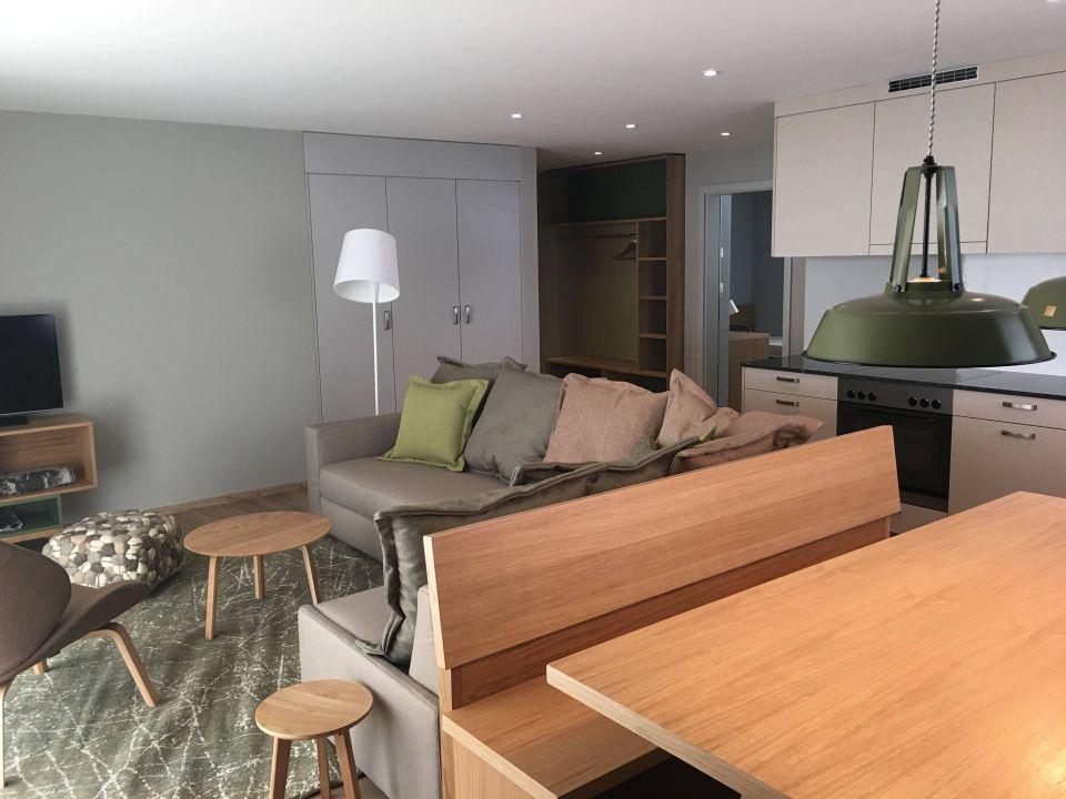Beispiel wohnzimmer reka feriendorf zinal in anniviers for Beispiel wohnzimmer