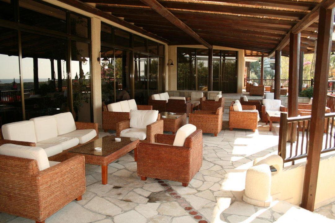 Terrasse bei Bar Hotel Coral Beach Resort