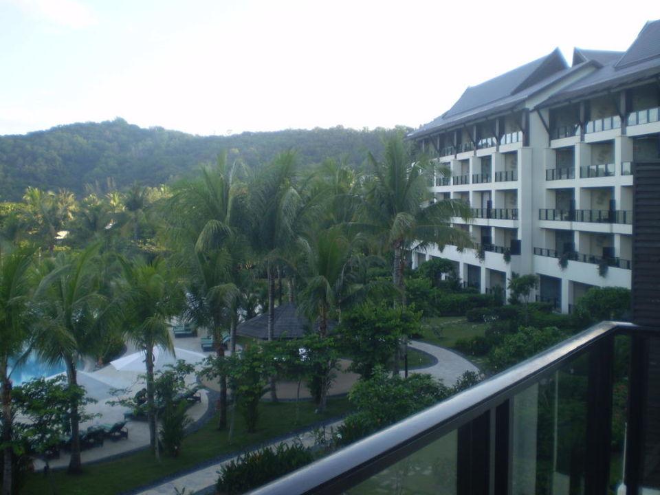 Blick vom Balkon Hotel Shangri-La Rasa Ria Resort