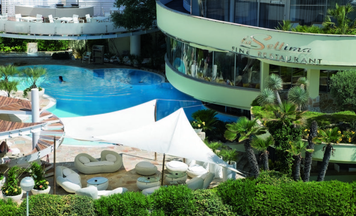 Piscina hotel waldorf milano marittima holidaycheck for Piscina 6 x 3