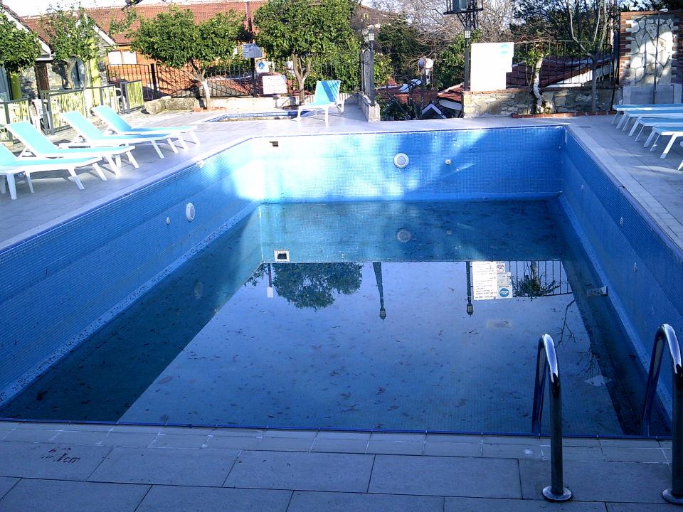 Pool Leda Beach Hotel