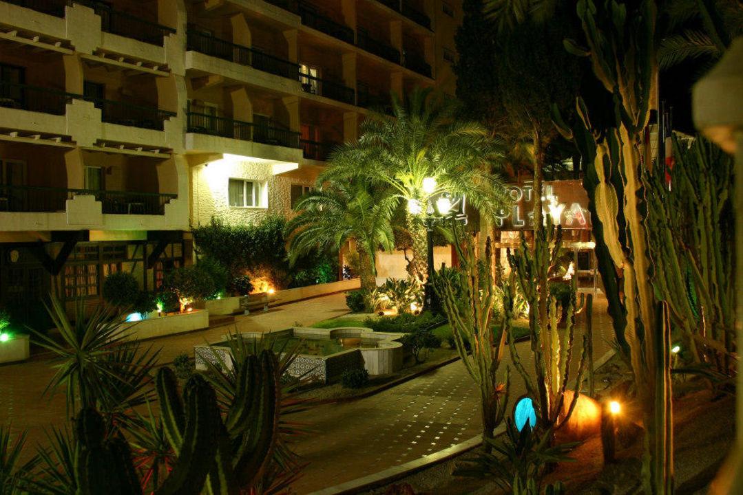 Hotelvorplatz Playadulce Hotel