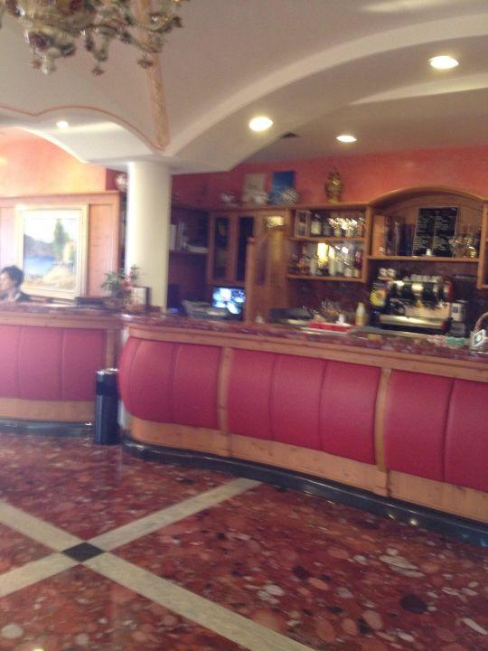 Empfang Hotel Diana