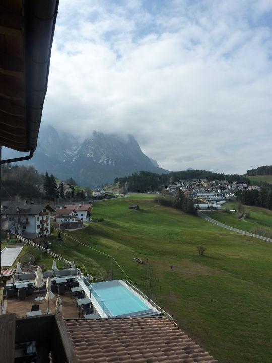 Zimmer auf der Westseite Hotel Alpenflora
