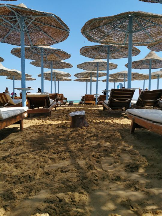 Strand Hawaii Caesar Palace Hotel & Aqua Park