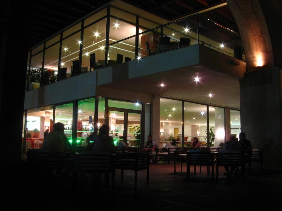 Hotel nocą Hotel Oceanis Beach