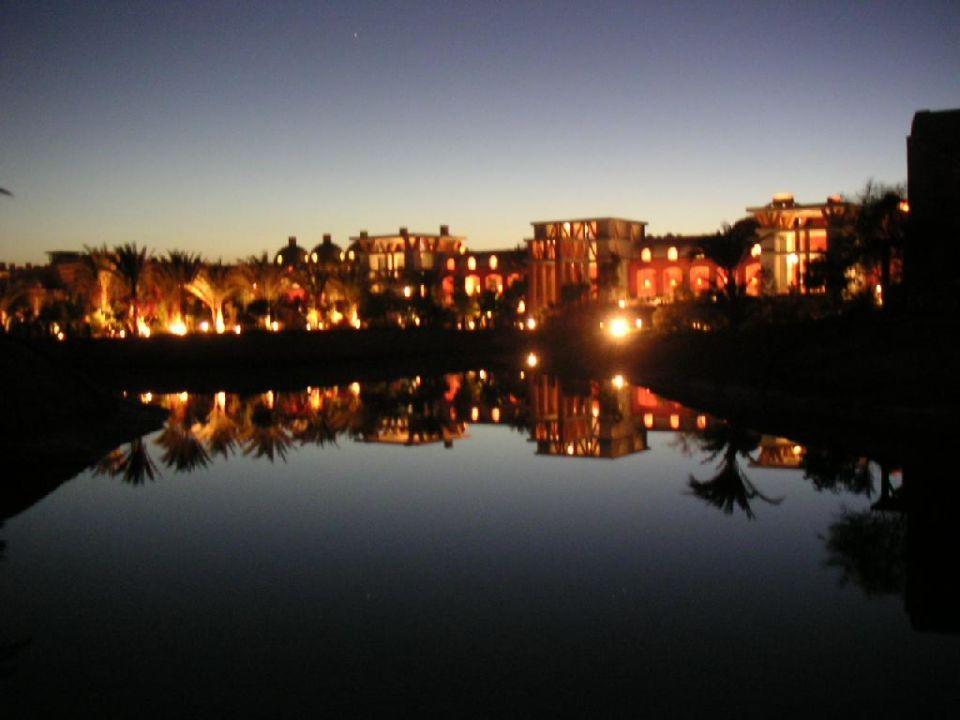 Hotelanlage bei Nacht Hotel Sheraton Miramar Resort