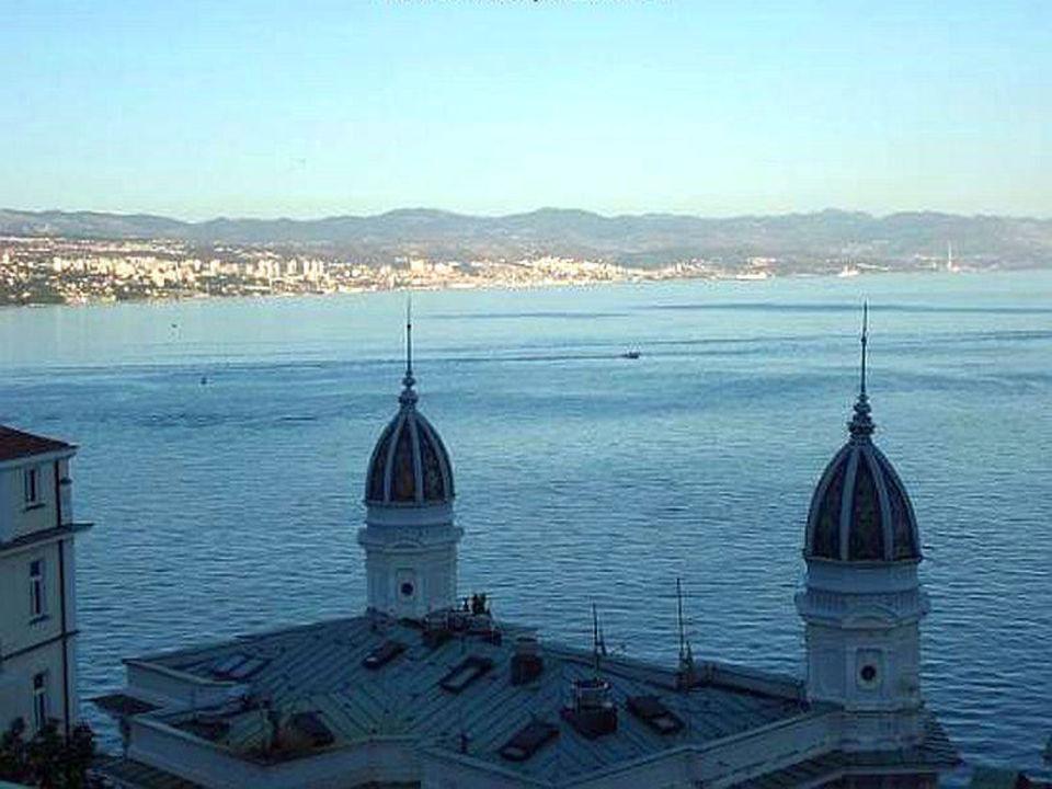 Blick vom Balkon des Zimmers nach Krk Hotel Astoria by OHM Group