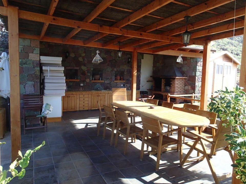 Außenküche Für Terrasse : Außenküche mit metalldach gartentor rot pavillon chatlinks