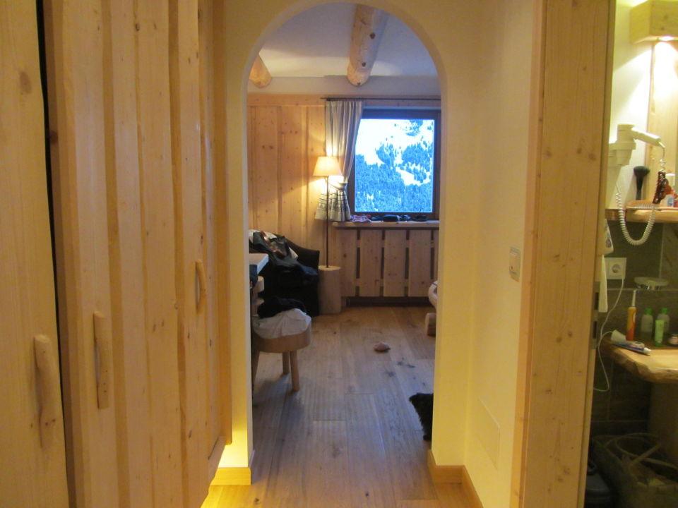 Blick ins Zimmer von der Tür aus Piz Seteur