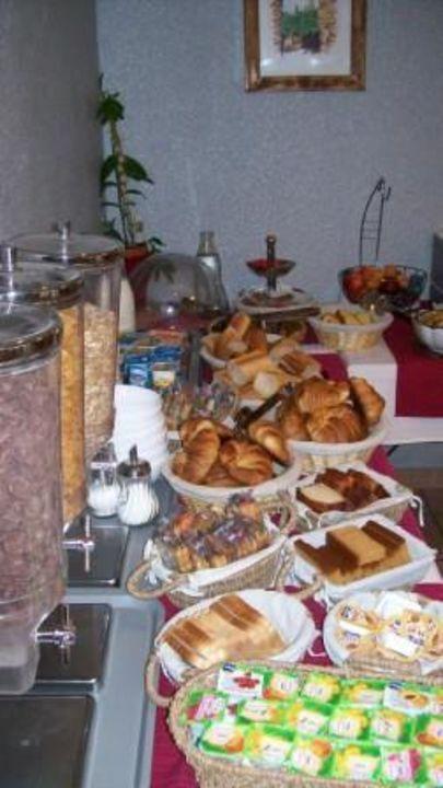 Petit dejeuner buffet à volonté Hotel Restaurant L'Etoile