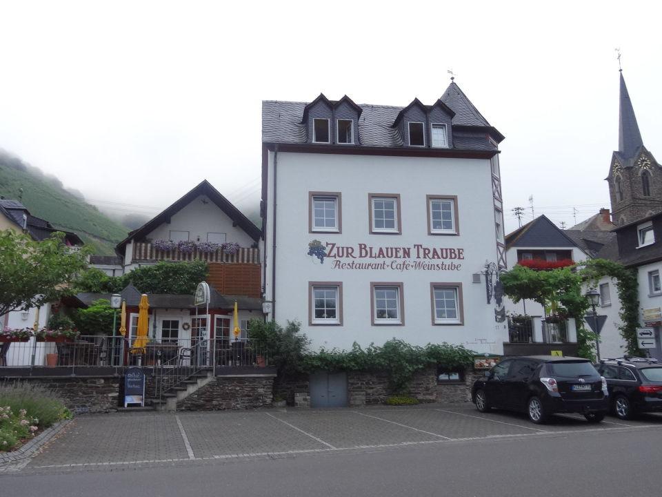 """Landgasthof  """"Zur Blauen Traube"""" Moseluferstr.11 Hotel Weingut Amlinger&Sohn"""