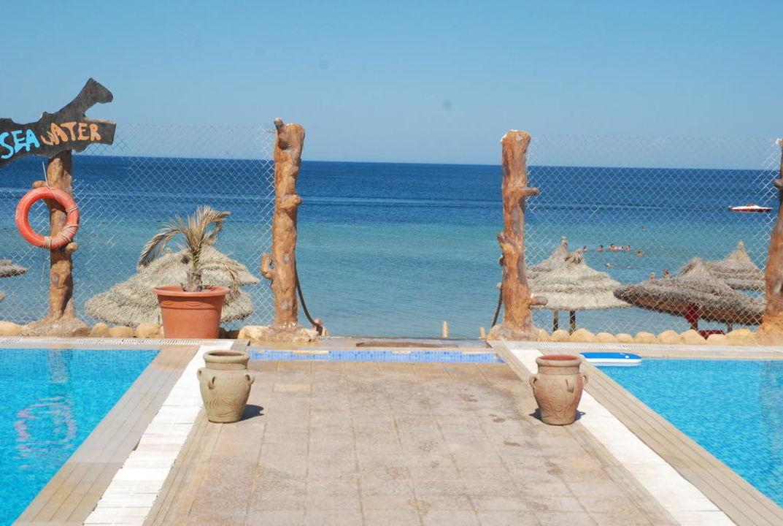 To the beach Palmyra Holiday Resort & Spa