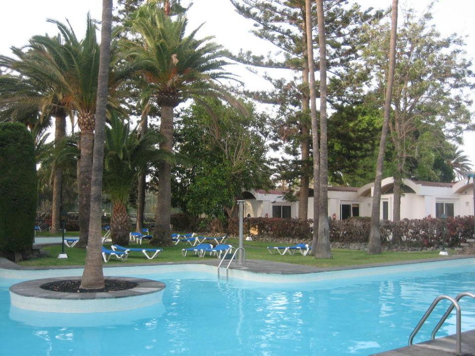 pool mit bungalow 2 sz hotel bungalows cordial biarritz playa del ingles holidaycheck. Black Bedroom Furniture Sets. Home Design Ideas