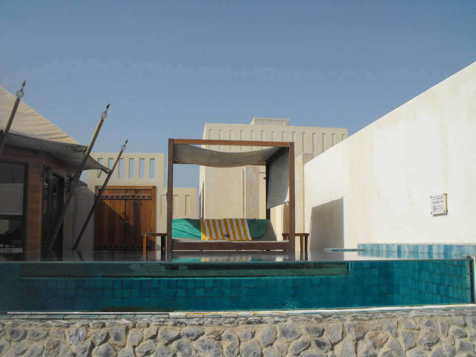Vom Strand Blick zum Pool The Ritz-Carlton Ras Al Khaimah Al Hamra Beach