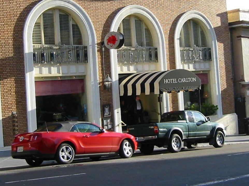 Eingang mit Aprilsonne Hotel Carlton, a Joie de Vivre Hotel