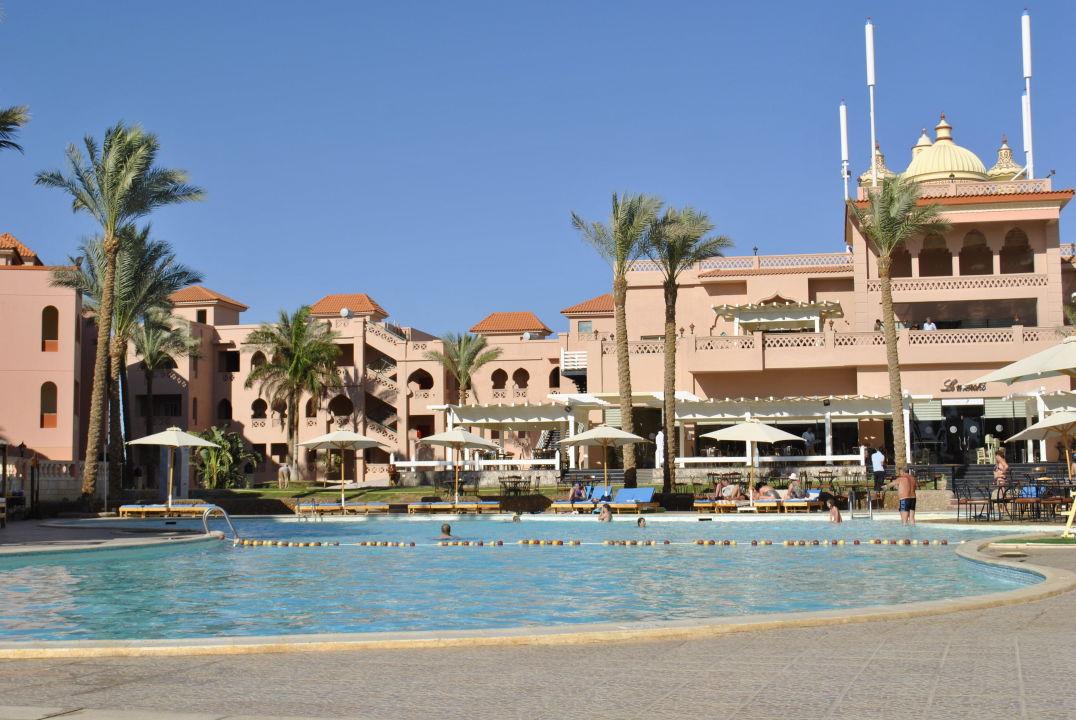 Отель, отличный! Sea World Resort