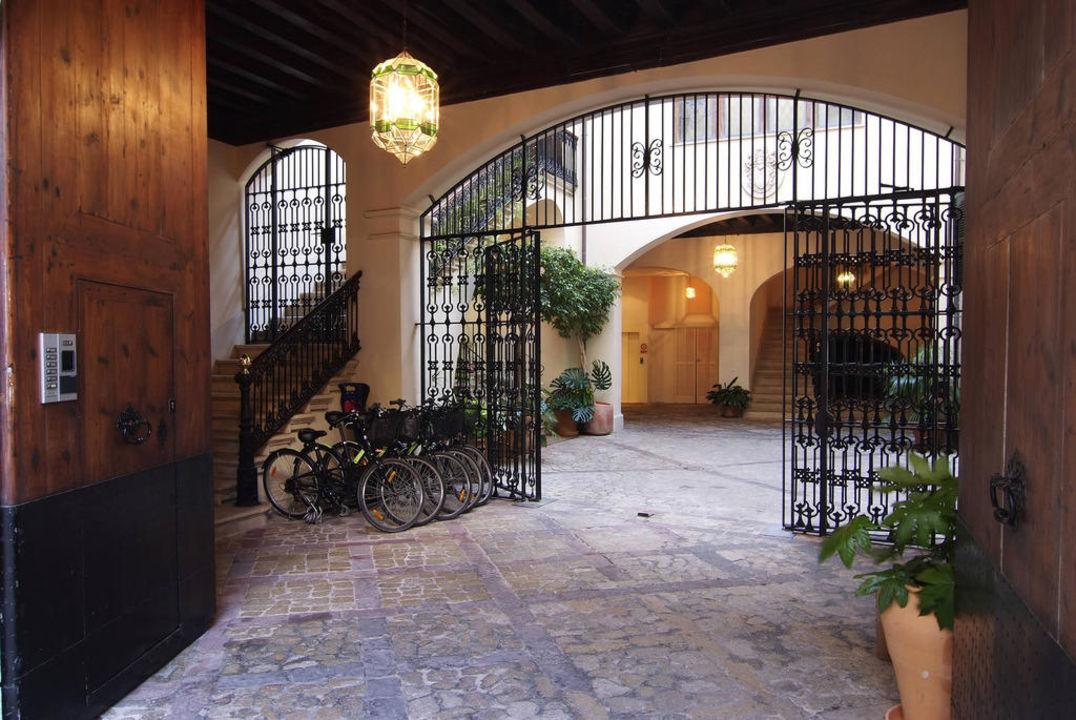 Entrada principal Hotel Palacio Ca Sa Galesa