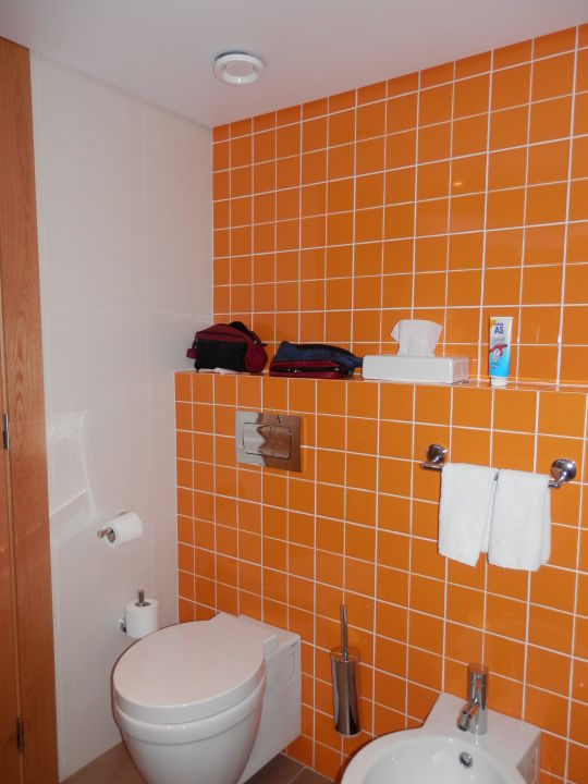 toilette und bidet hotel four views oasis cani o. Black Bedroom Furniture Sets. Home Design Ideas