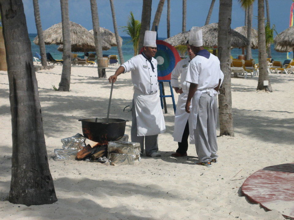 Paella am Strand Catalonia Bavaro Beach, Golf & Casino Resort