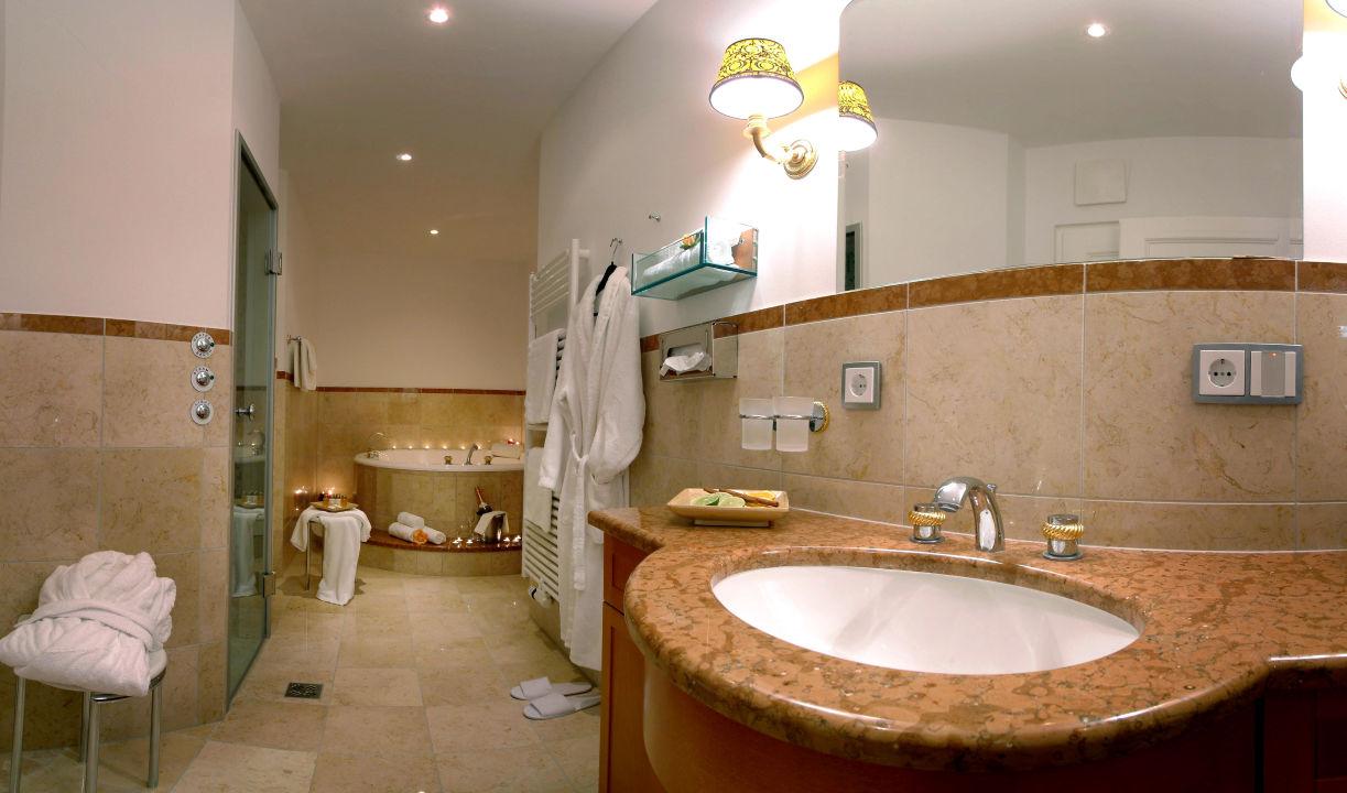 traumhafte badezimmer hotel moselebauer bad st leonhard im lavanttal holidaycheck. Black Bedroom Furniture Sets. Home Design Ideas