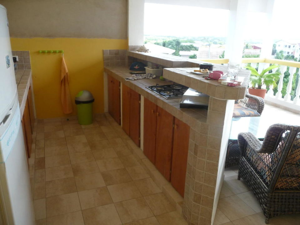 Offene Küche Und Teile Des Offenen Wohnzimmers Kashimiri