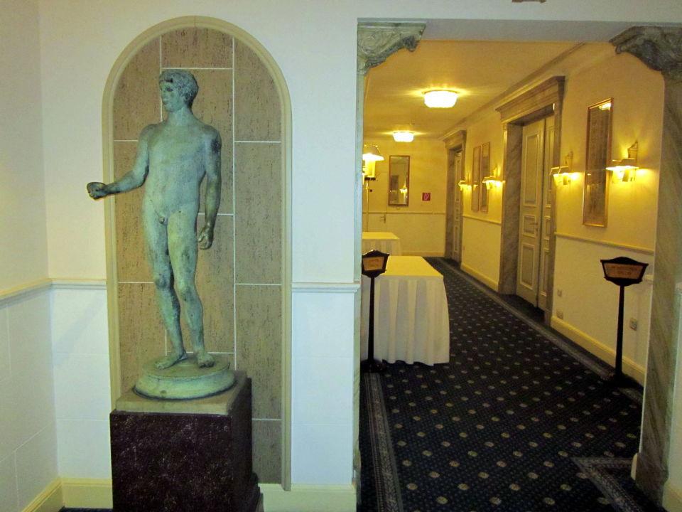 Hotelflur Grandhotel Hessischer Hof
