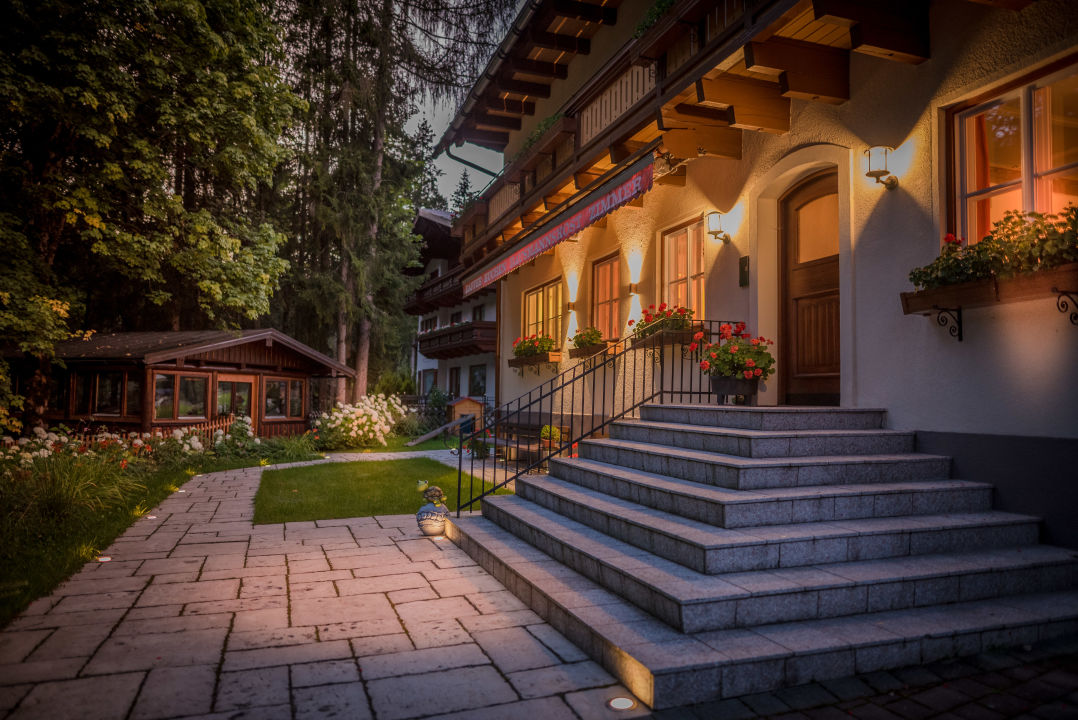 Außenansicht Bio-Holzhaus & Landhaus Heimat