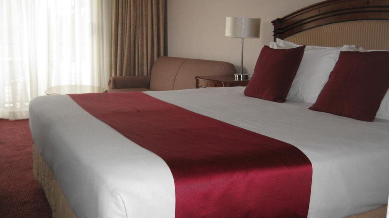 Our refurbished bedrooms Waldorf Leura Gardens Resort