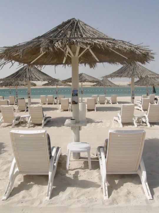 Пляж отеля Hotel Intercontinental Abu Dhabi