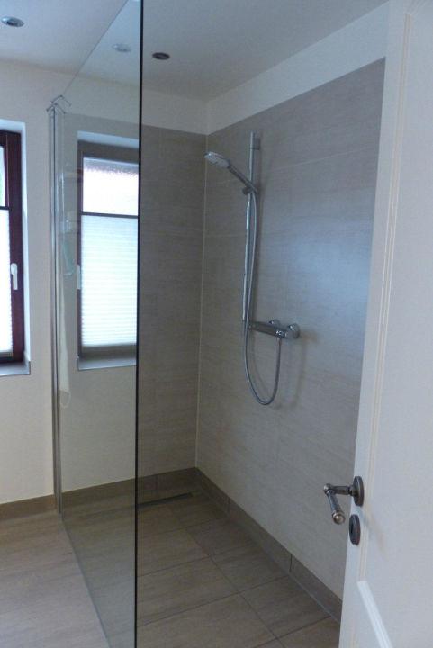 Häufig Begehbare Dusche, ebenerdig mit Fußbodenheizung