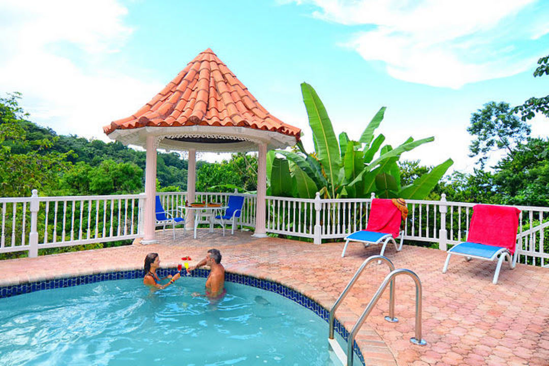 Relax by our pool Hotel Tropical Lagoon Resort