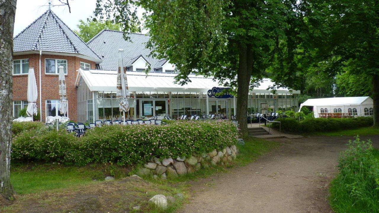 """Bild """"Seegarten Barmstedt"""" zu Hotel Seegarten Barmstedt in ..."""
