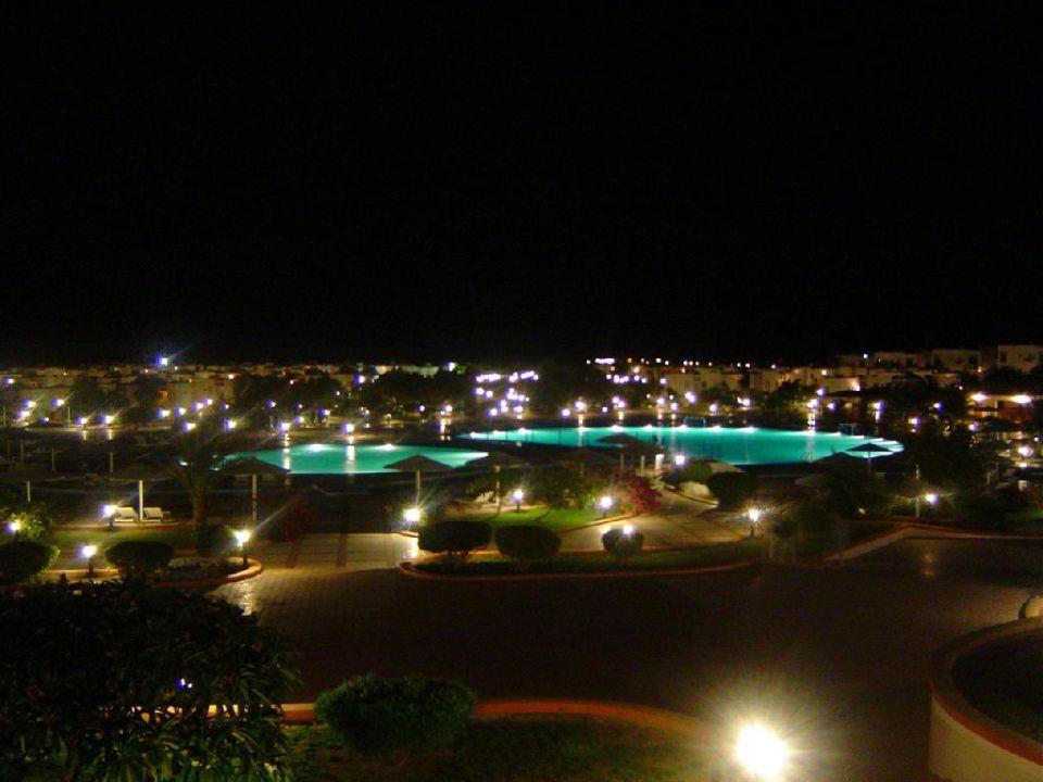 Pool im dunkeln Pharaoh Azur Resort