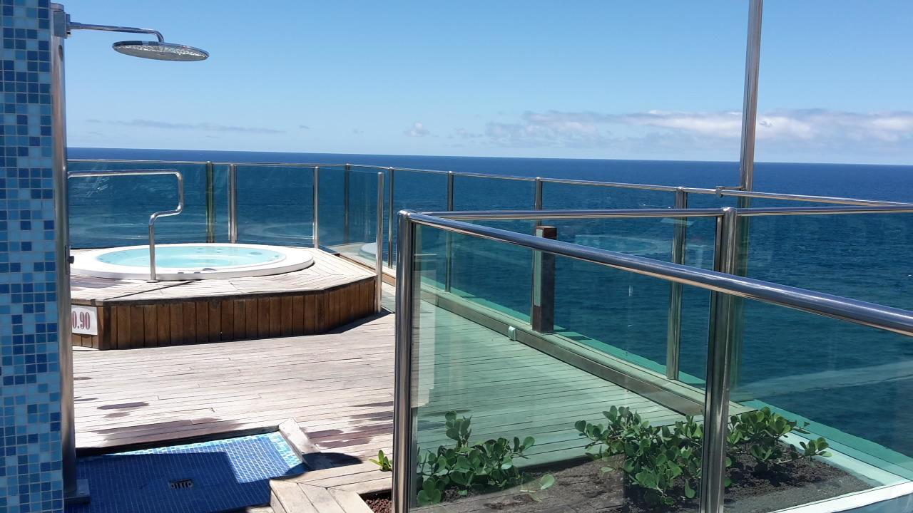 Der whirlpool auf der dachterrasse bull dorado beach spa arguineguin holidaycheck gran - Whirlpool dachterrasse ...