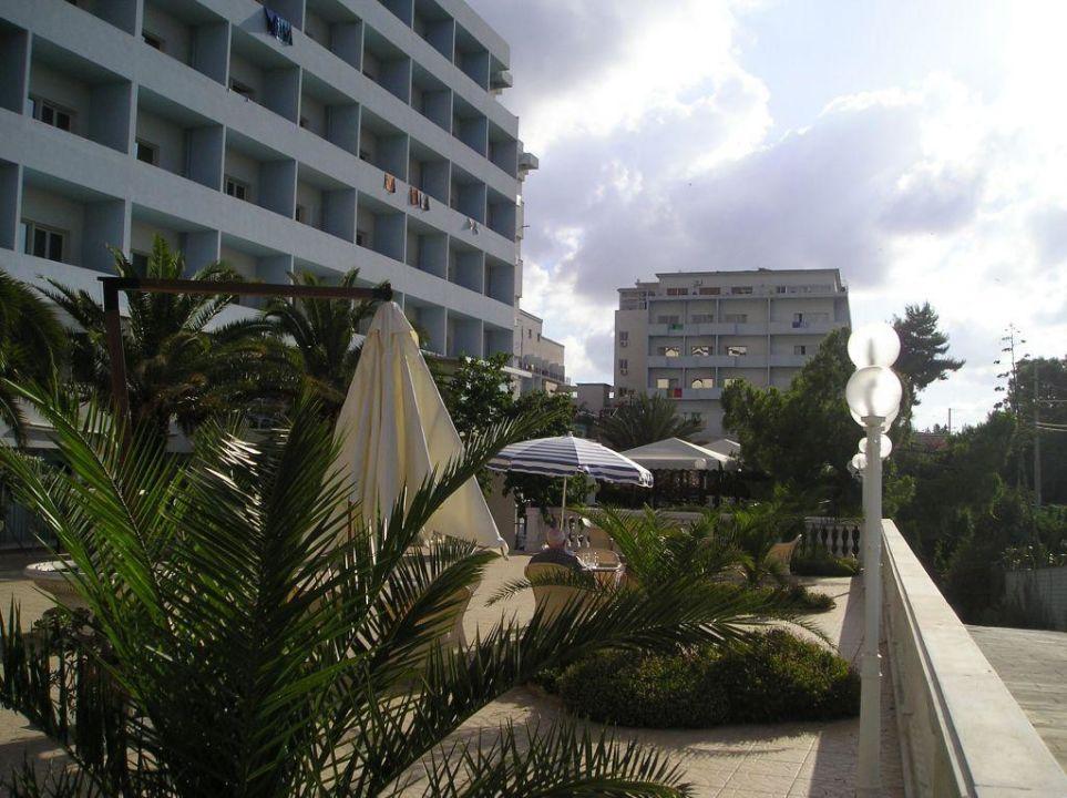 Die beiden Hotelgebäude Hotel Santa Lucia e Le Sabbie d'Oro